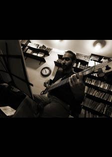 رباعي أحمد نظمي في الاحتفال باليوم العالمي للجاز